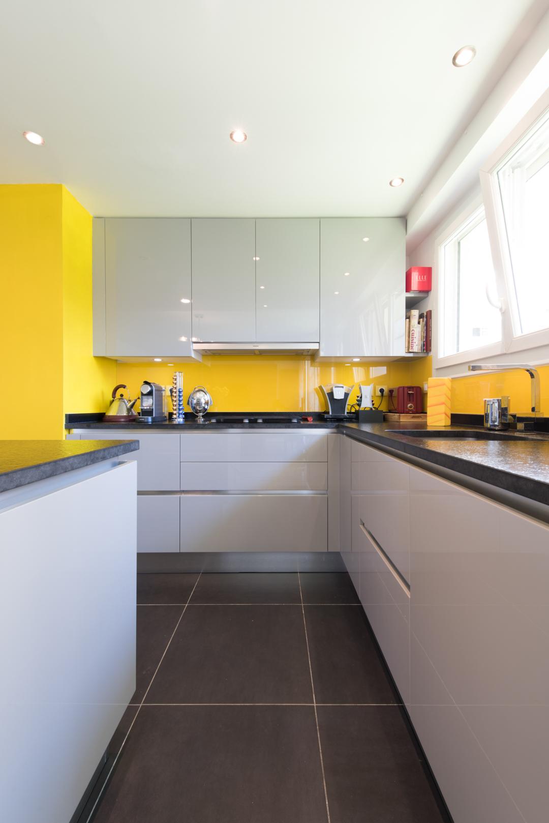 la cuisine dans le bain awesome la cuisine dans le bain with la cuisine dans le bain good. Black Bedroom Furniture Sets. Home Design Ideas