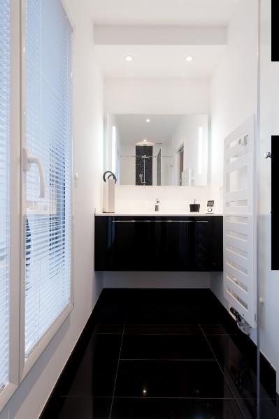 Genial ... Salle De Douche Design Noir Et Blanc. La Cuisine Dans Le Bain; La  Cuisine Dans Le Bain ...