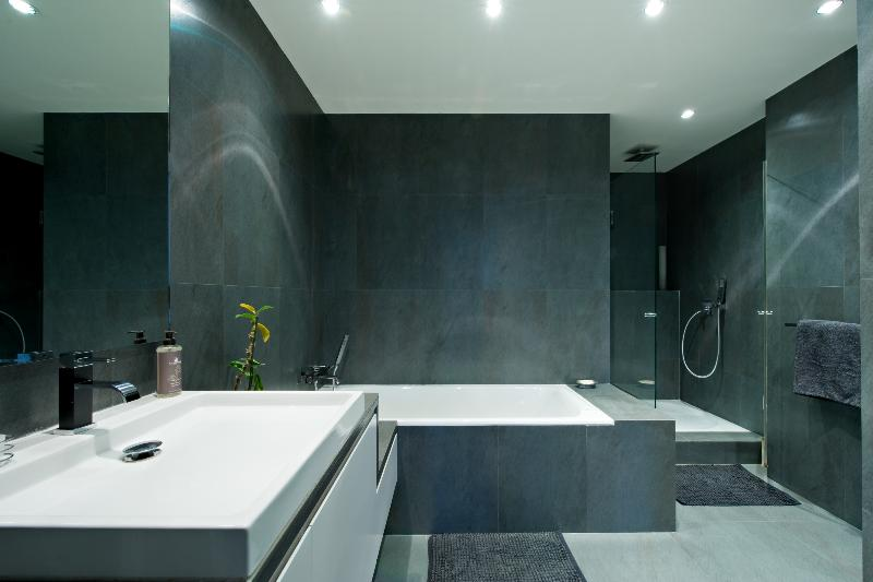 repeindre salle de bain quelle couleur gallery of la cuisine dans le bain with repeindre salle. Black Bedroom Furniture Sets. Home Design Ideas