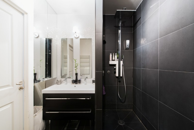 salle de douche compacte et fonctionnelle sk concept. Black Bedroom Furniture Sets. Home Design Ideas