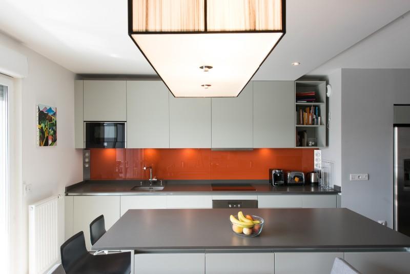 cuisine ilot central grand. Black Bedroom Furniture Sets. Home Design Ideas
