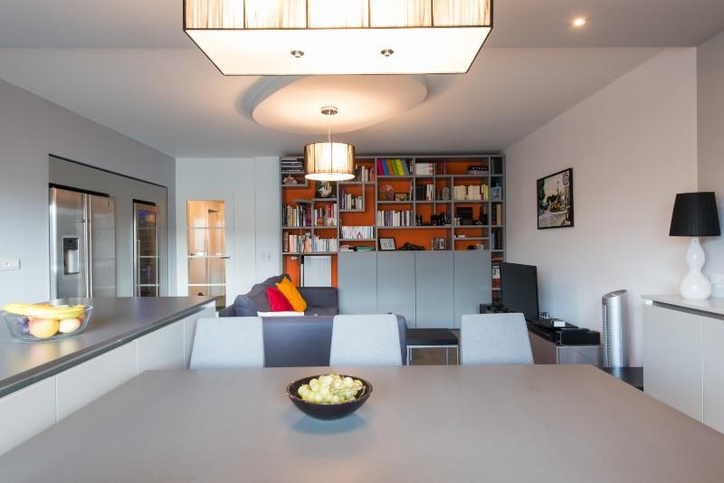 Projet cuisine salon linu00e9aire avec grand u00eelot central Paris
