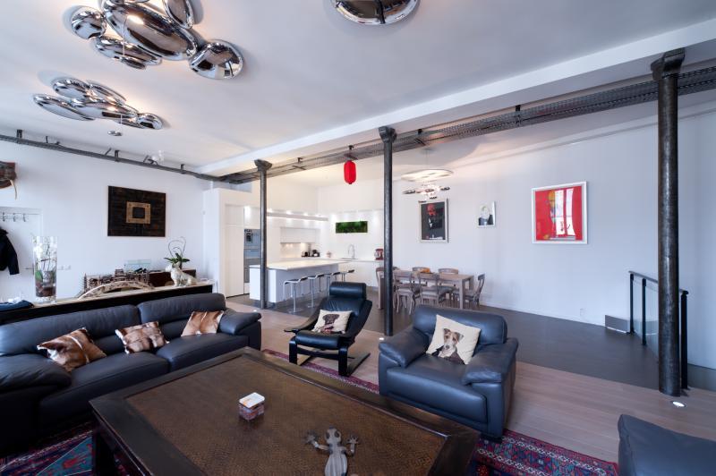 conception d 39 une cuisine armony ouverte sur la pi ce. Black Bedroom Furniture Sets. Home Design Ideas
