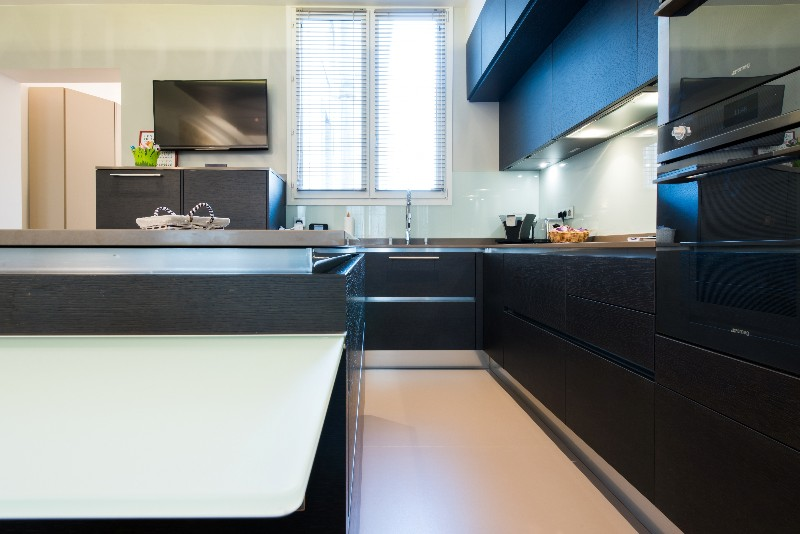 Simple cuisine ouverte avec lot rtroclair ged cucine with for Cuisine ouverte nature