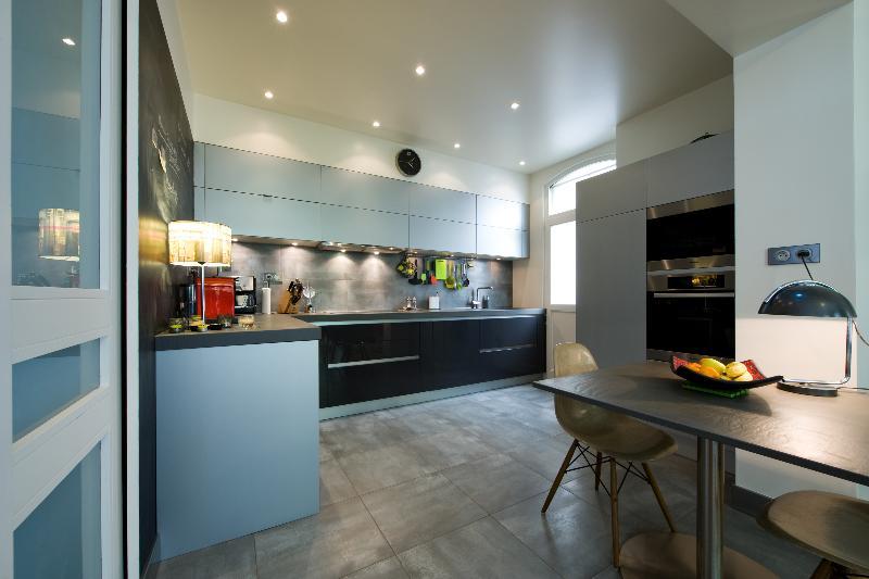 skconcept : cuisine sigma laqué brillant graphite et gris